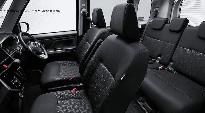トヨタ ルーミーの内装