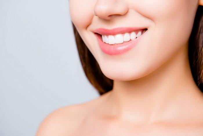 歯の美しい女性